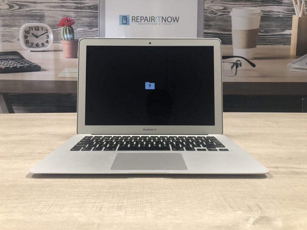 Wat is er aan de hand bij een knipperend envelopje bij een iMac en Macbook